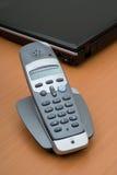 τηλέφωνο γραφείων lap-top Στοκ εικόνες με δικαίωμα ελεύθερης χρήσης
