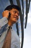 τηλέφωνο κυττάρων επιχειρηματιών Στοκ εικόνες με δικαίωμα ελεύθερης χρήσης