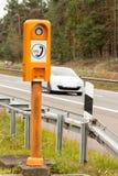 Τηλέφωνο SOS Τηλέφωνο έκτακτης ανάγκης στην άκρη του δρόμου Πρωί στη γερμανική εθνική οδό Στοκ εικόνες με δικαίωμα ελεύθερης χρήσης