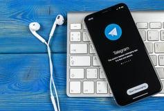 Τηλεγράφημα Χ εικονίδιο εφαρμογής στο iPhone Χ της Apple κινηματογράφηση σε πρώτο πλάνο οθόνης Τηλεγράφημα Χ app εικονίδιο Το τηλ Στοκ φωτογραφίες με δικαίωμα ελεύθερης χρήσης