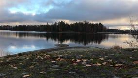 Τηλεοπτική λίμνη πυροβολισμού με το ομαλό νερό, φιλμ μικρού μήκους