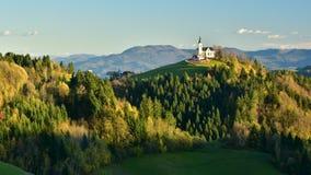 Τηλεοπτική σκηνή φθινοπώρου χρονικού σφάλματος της Σλοβενίας στο χρόνο ηλιοβασιλέματος απόθεμα βίντεο