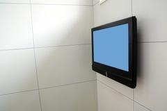 τηλεοπτικός τοίχος χερ&iota Στοκ φωτογραφίες με δικαίωμα ελεύθερης χρήσης
