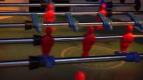 Τηλεοπτικό επιτραπέζιο ποδόσφαιρο foosball Αθλητική ομάδα ποδοσφαιριστών απόθεμα βίντεο