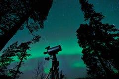 Τηλεσκόπιο και ουρανός Στοκ Φωτογραφία