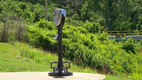 Τηλεσκόπιο σε ένα πάρκο απόθεμα βίντεο