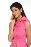 τηλεφωνική γυναίκα κυττά&r Στοκ Εικόνες