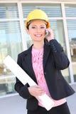 τηλεφωνική όμορφη γυναίκα Στοκ φωτογραφία με δικαίωμα ελεύθερης χρήσης