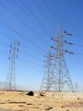 τηλεφωνικός πύργος γραμμώ& στοκ εικόνα με δικαίωμα ελεύθερης χρήσης