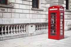 τηλεφωνικό κόκκινο κιβω&tau Στοκ Φωτογραφίες