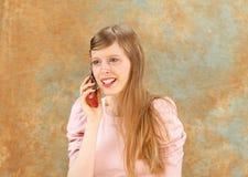 τηλεφώνημα κοριτσιών Στοκ Εικόνες