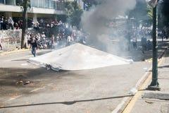 23-01-2019 της Βενεζουέλας Protestants παίρνει στις οδούς για να εκφράσει τη δυσαρέσκειά τους στην παράνομη ανάληψη του Nicolas M στοκ φωτογραφίες με δικαίωμα ελεύθερης χρήσης