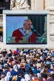 Της Θείας Ευχαριστίας ευλογία του παπά Francis Στοκ φωτογραφία με δικαίωμα ελεύθερης χρήσης