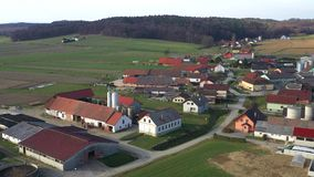 Της Κεντρικής Ευρώπης χωριό στη Σλοβενία φιλμ μικρού μήκους