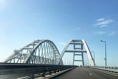 Της Κριμαίας γέφυρα Οδική γέφυρα που συνδέει τις τράπεζες του στενού Kerch μεταξύ Taman και Kerch στοκ φωτογραφία με δικαίωμα ελεύθερης χρήσης