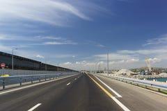 Της Κριμαίας γέφυρα πέρα από το στενό Kerch Κατασκευή μιας οδικής σύνδεσης στοκ φωτογραφία με δικαίωμα ελεύθερης χρήσης