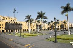 Της Λίμα δημοτική αίθουσα πόλεων οικοδόμησης Λα municipalidad de στα armas της Λίμα Περού δημάρχου plaza στοκ φωτογραφίες με δικαίωμα ελεύθερης χρήσης