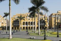 Της Λίμα δημοτική αίθουσα πόλεων οικοδόμησης Λα municipalidad de στα armas της Λίμα Περού δημάρχου plaza στοκ φωτογραφίες
