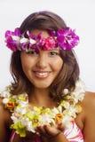 της Χαβάης πορτρέτο lei κοριτσιών λουλουδιών Στοκ εικόνα με δικαίωμα ελεύθερης χρήσης