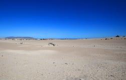Της Χιλής έρημος με το μπλε ουρανό Στοκ εικόνα με δικαίωμα ελεύθερης χρήσης