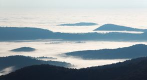 της όξινης απορροής σειρά βουνών Στοκ Εικόνες