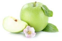 Της Apple φρούτων φέτα που τεμαχίζεται πράσινη που απομονώνεται στο λευκό Στοκ Εικόνες
