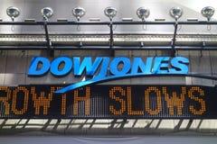Τηλέτυπο ειδήσεων της Dow Jones Στοκ Φωτογραφίες