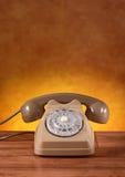 Τηλέφωνο αναδρομικό στον πίνακα Στοκ φωτογραφίες με δικαίωμα ελεύθερης χρήσης
