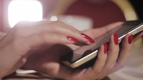 τηλέφωνο κοριτσιών απόθεμα βίντεο