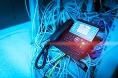 Τηλέφωνο IP στο δωμάτιο δικτύων Στοκ Εικόνα