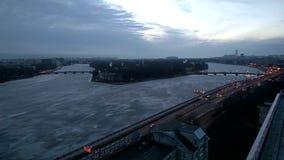 Τηλεοπτικό ανάχωμα παράβλεψης Ushakovskay χρονικού σφάλματος του ποταμού Neva στη Αγία Πετρούπολη φιλμ μικρού μήκους