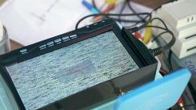 Τηλεοπτικό σήμα έρευνας οθόνης οργάνων ελέγχου TV απόθεμα βίντεο