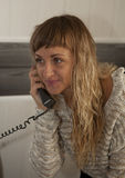 τηλεφωνικές ομιλούσες &n Στοκ εικόνα με δικαίωμα ελεύθερης χρήσης