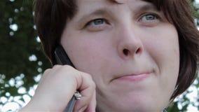 τηλεφωνική ομιλούσα γυναίκα φιλμ μικρού μήκους