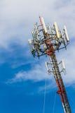 Τηλεφωνικός πύργος κυττάρων τηλεπικοινωνιών. Στοκ Εικόνες