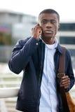 Τηλεφωνικό αφρικανικό άτομο Στοκ Φωτογραφίες