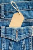 Τιμή ετικεττών στην τσέπη μπλε Jean Στοκ εικόνες με δικαίωμα ελεύθερης χρήσης
