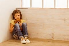 Τιμωρημένο μικρό παιδί στοκ φωτογραφίες με δικαίωμα ελεύθερης χρήσης