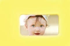Τιτιβίζοντας κορίτσι Στοκ φωτογραφία με δικαίωμα ελεύθερης χρήσης