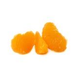 Τμήματα φετών tangerine που απομονώνονται πέρα από Στοκ Φωτογραφίες