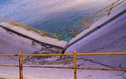 Τμήμα γεφυρών κοντά στη θάλασσα στοκ φωτογραφία με δικαίωμα ελεύθερης χρήσης