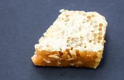 Τμήμα που καλύπτεται κυψελωτό στο μελισσοκηρό Στοκ Εικόνες