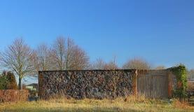 Τοίχοι ιδρύματος της ιστορικής καταστροφής σιταποθηκών σε Dargezin, Mecklenburg-$l*Vorpommern, Γερμανία στοκ εικόνες