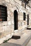 Τοίχοι και πόρτα μουσουλμανικών τεμενών Στοκ φωτογραφία με δικαίωμα ελεύθερης χρήσης