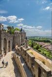 Τοίχοι και πύργοι του μεσαιωνικού φρουρίου στο Carcassonne, Γαλλία Στοκ Φωτογραφίες