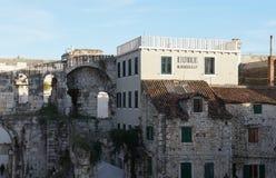 Τοίχοι παλατιών Diocletian στη διάσπαση Στοκ εικόνα με δικαίωμα ελεύθερης χρήσης