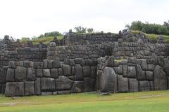 Τοίχοι πετρών Sacsayhuaman καταστροφών Inca Στοκ Φωτογραφία