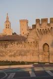 Τοίχοι πόλεων, καθεδρικός ναός και Palais des Papes Palace  Αβινιόν Στοκ Φωτογραφίες