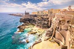 Τοίχοι, φάρος και λιμάνι πόλεων στο Melilla στοκ φωτογραφία με δικαίωμα ελεύθερης χρήσης
