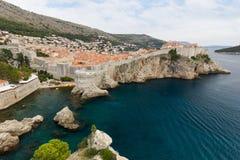 Τοίχοι ωκεανών και πόλεων στην παλαιά κωμόπολη Dubrovnik ` s Στοκ φωτογραφία με δικαίωμα ελεύθερης χρήσης
